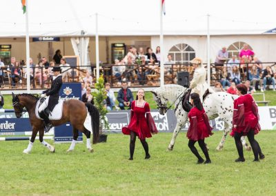 Pferde und Tänzer_Web-130