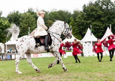 Pferde und Tänzer_Web-119